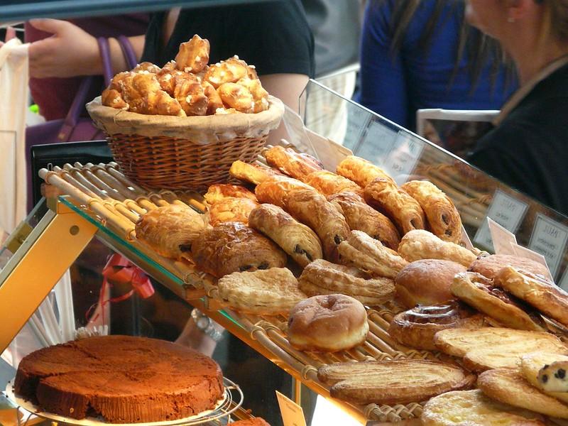 Chouquettes e pain au chocolat, França