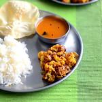 Cauliflower Poriyal Recipe / South Indian Gobi Poriyal Recipe