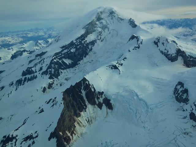 Monte Iliamna, el volcán de Lake Clark National Park (Alaska)