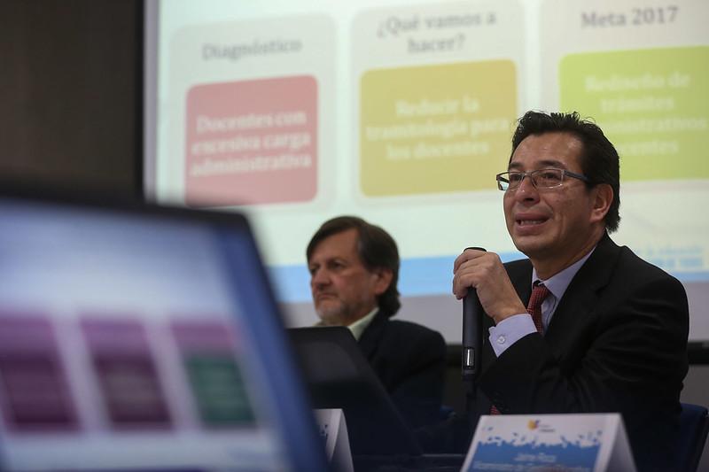 Diálogo con medios- Acciones Educativas Prioritarias