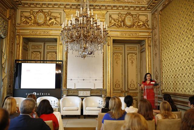 """Seminario """"Emprendimiento y liderazgo femenino en la Alianza del Pacífico. Oportunidades y Retos"""""""