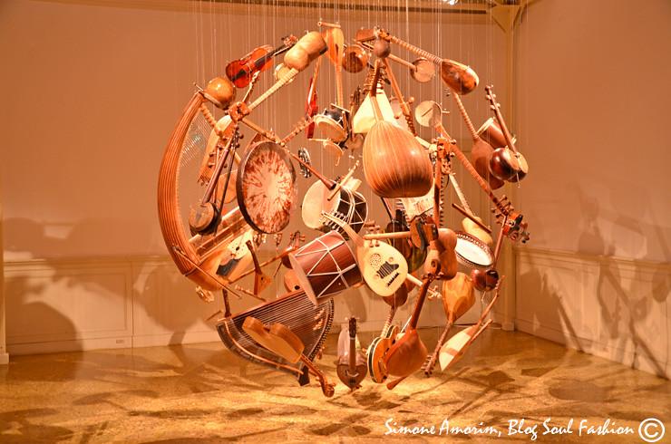 Muito lindo essa obra d'arte dedicada a música no pavilhão do Azerbaijão