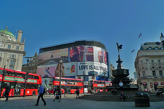 London - Picadilly Circus Shaftesbury