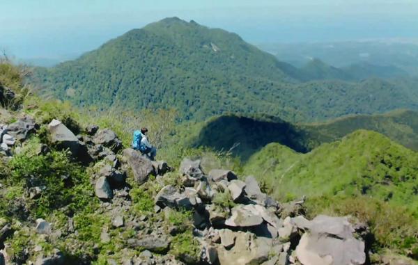宇多田ヒカル NA「信じられる水の山から。サントリー奥大山の天然水。」