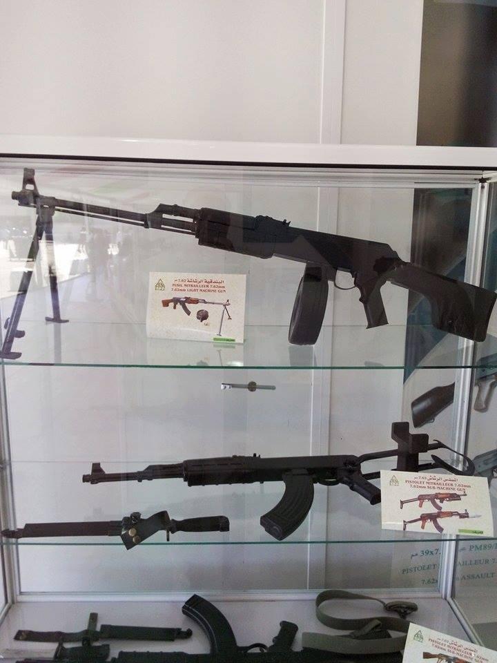 الصناعة العسكرية الجزائرية  [ AKM / Kalashnikov ]  - صفحة 2 35618967086_e4a23c6baa_o