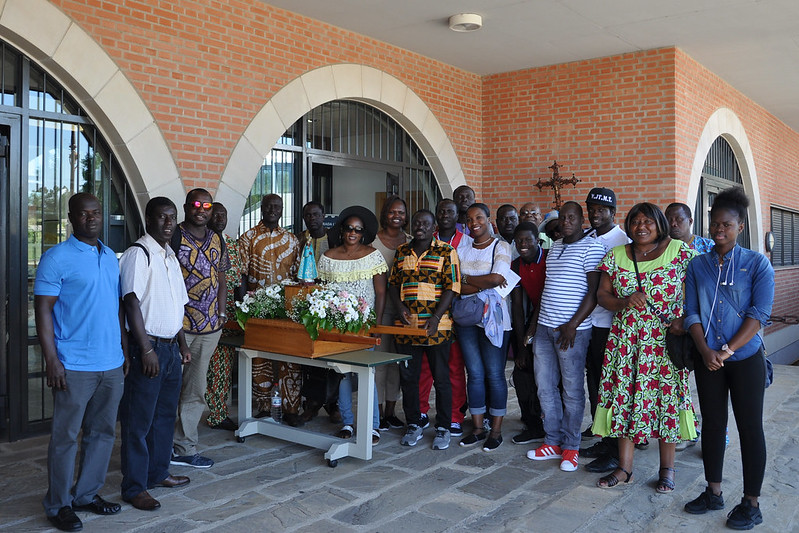 Con la Virgen de Popenguine (Senegal) en Torreciudad 2017