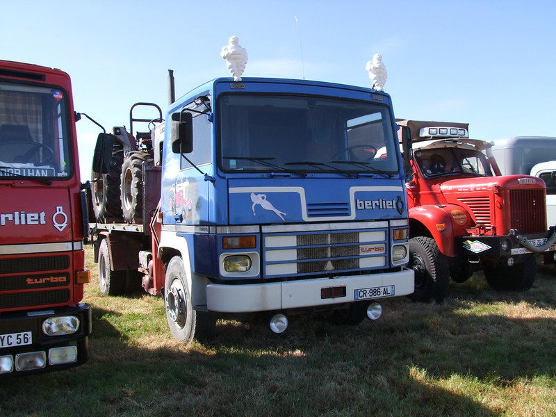 Rassemblement de camions anciens en Normandie 35378788102_39760b9729_c