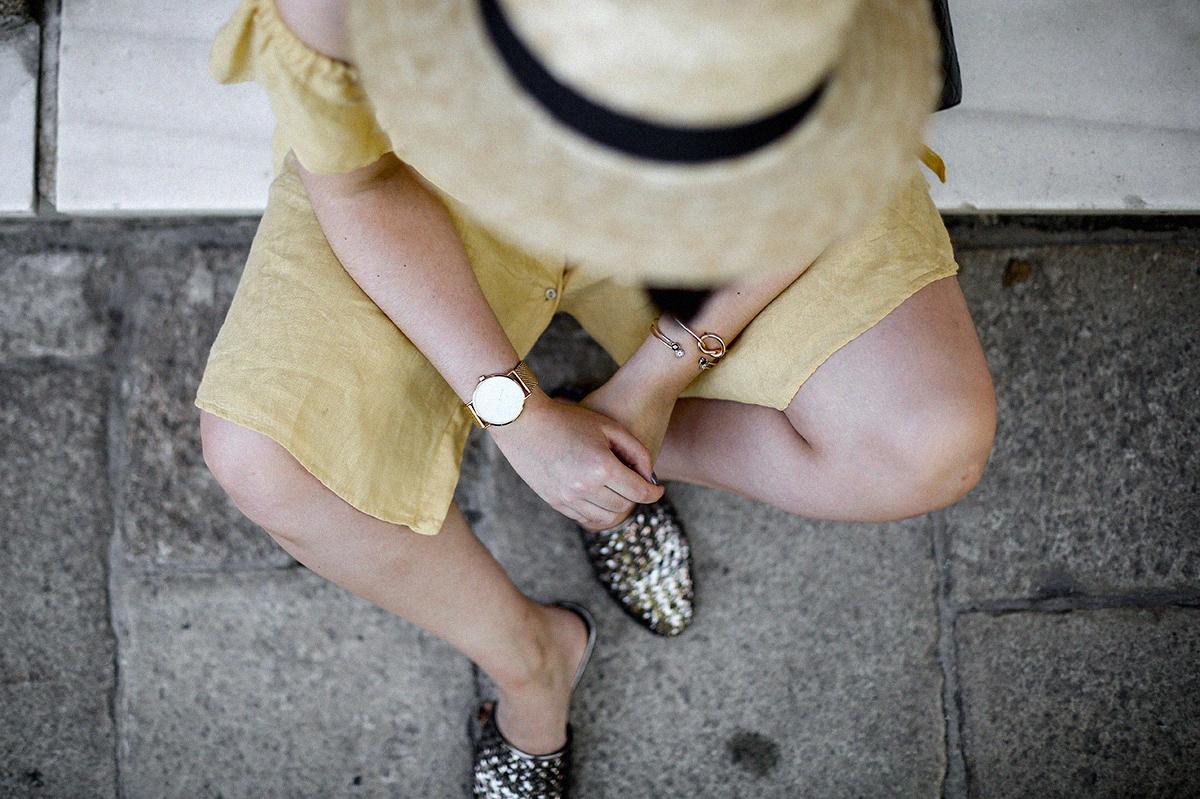 vestido-amarillo-hombros-descubiertos-zara-chanel-vintage-vestiaire-collective2
