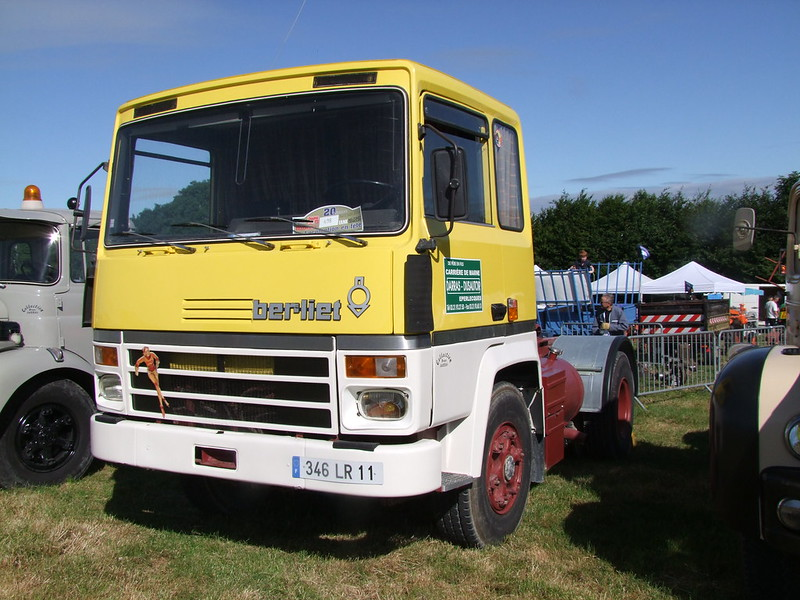 Rassemblement de camions anciens en Normandie 35531154525_64513b28e6_c