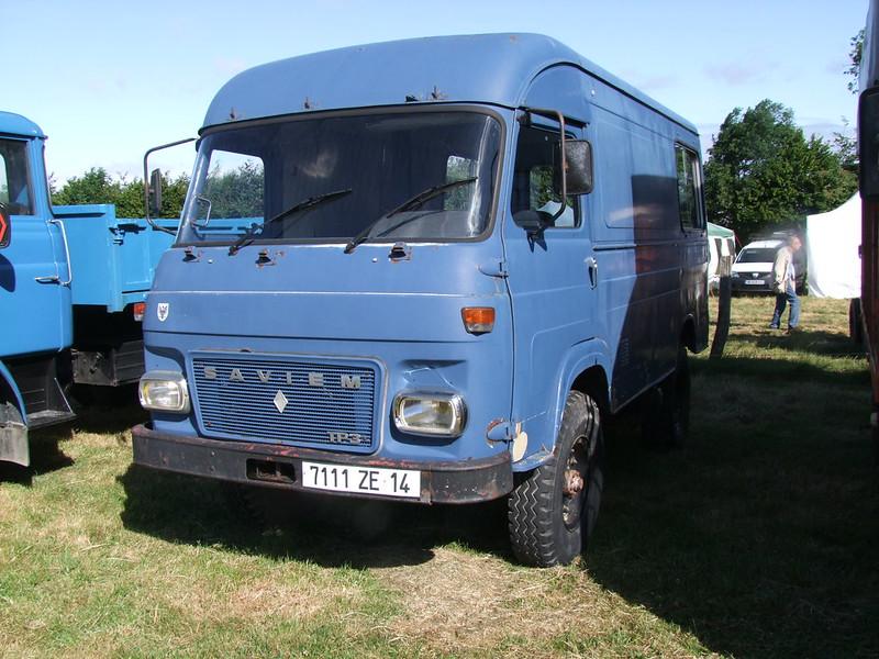 Rassemblement de camions anciens en Normandie 34689074974_c678d425d3_c