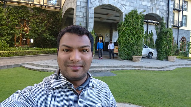 sony xperia xz premium outdoor selfie two