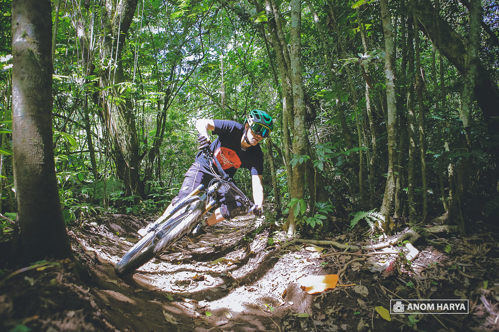Kelvin Passing Berm on Bali Bike Park