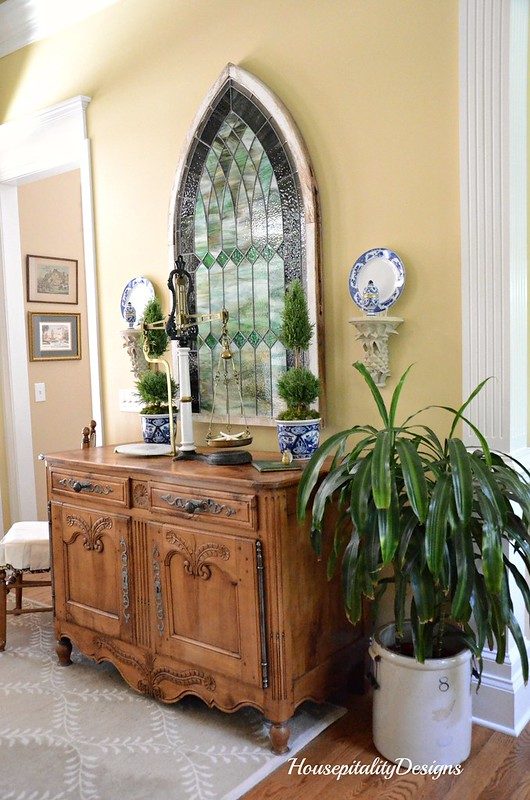 French Buffet-Foyer-Housepitality Designs