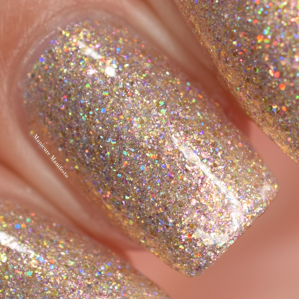 Girly Bits Sand Of A Beach swatch