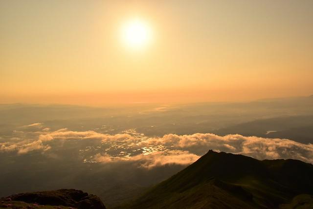 高千穂峰山頂からの朝日