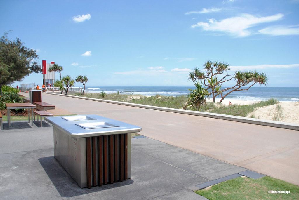 Grillauspaikka Surfers Paradisen rannalla, Australiassa