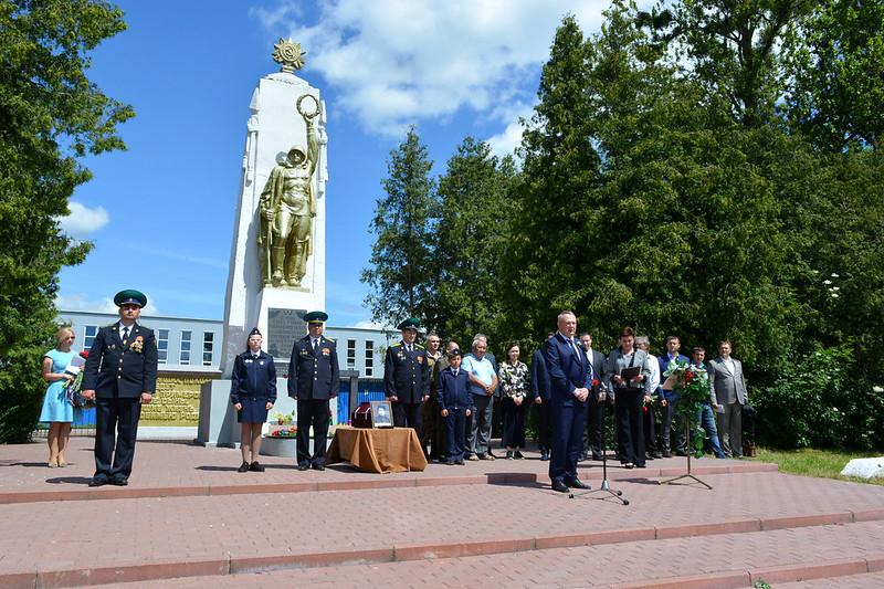 Торжественная церемония на Мемориальном кладбище Багратионовска