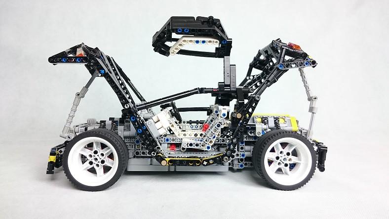Lego Technic Tribute Model 8880 EVO-REBUILT USING STUDLESS… | Flickr