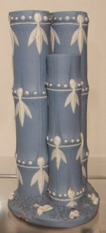 ウェッジウッドの竹型花瓶 ジャスパー竹