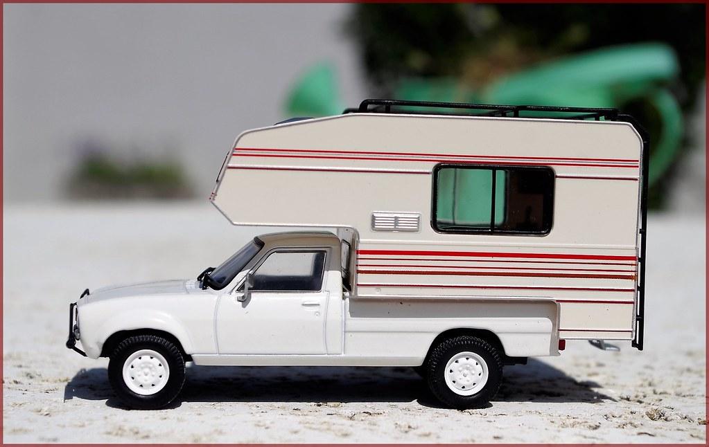 peugeot dangel 504 pick up 4x4 camping car 1 43 hachette. Black Bedroom Furniture Sets. Home Design Ideas