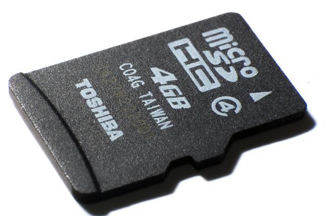 Micro SD card (Toshiba 4GB class4)