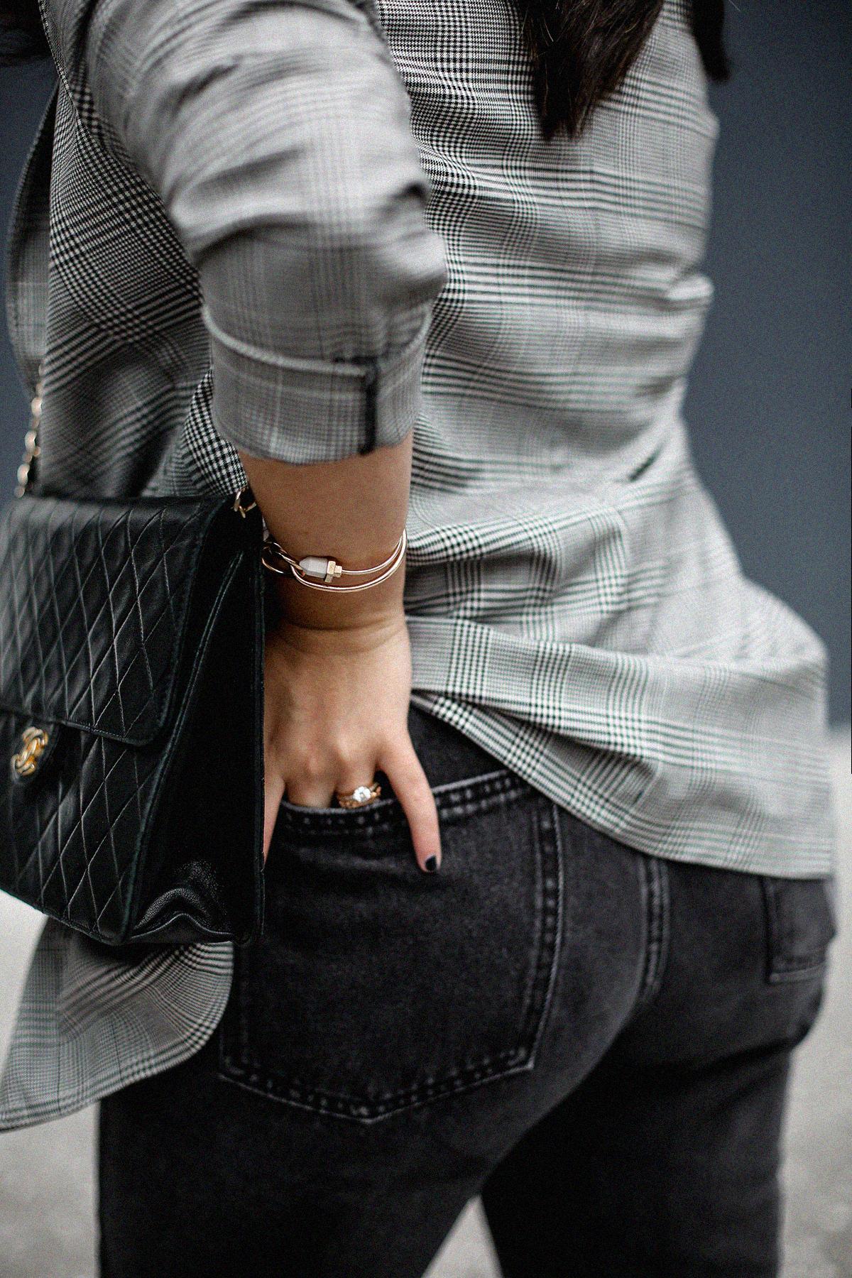 blazer-gris-cuadros-bershka-bandana-roja-mom-jeans-myblueberrynightsblog