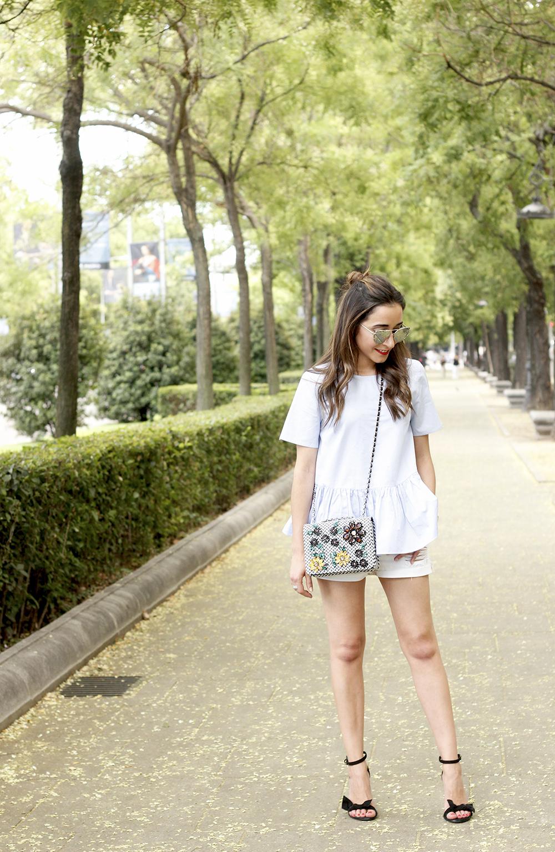 blue light striped shirt denim shorts uterqüe jewel bag accessories summer outfit01