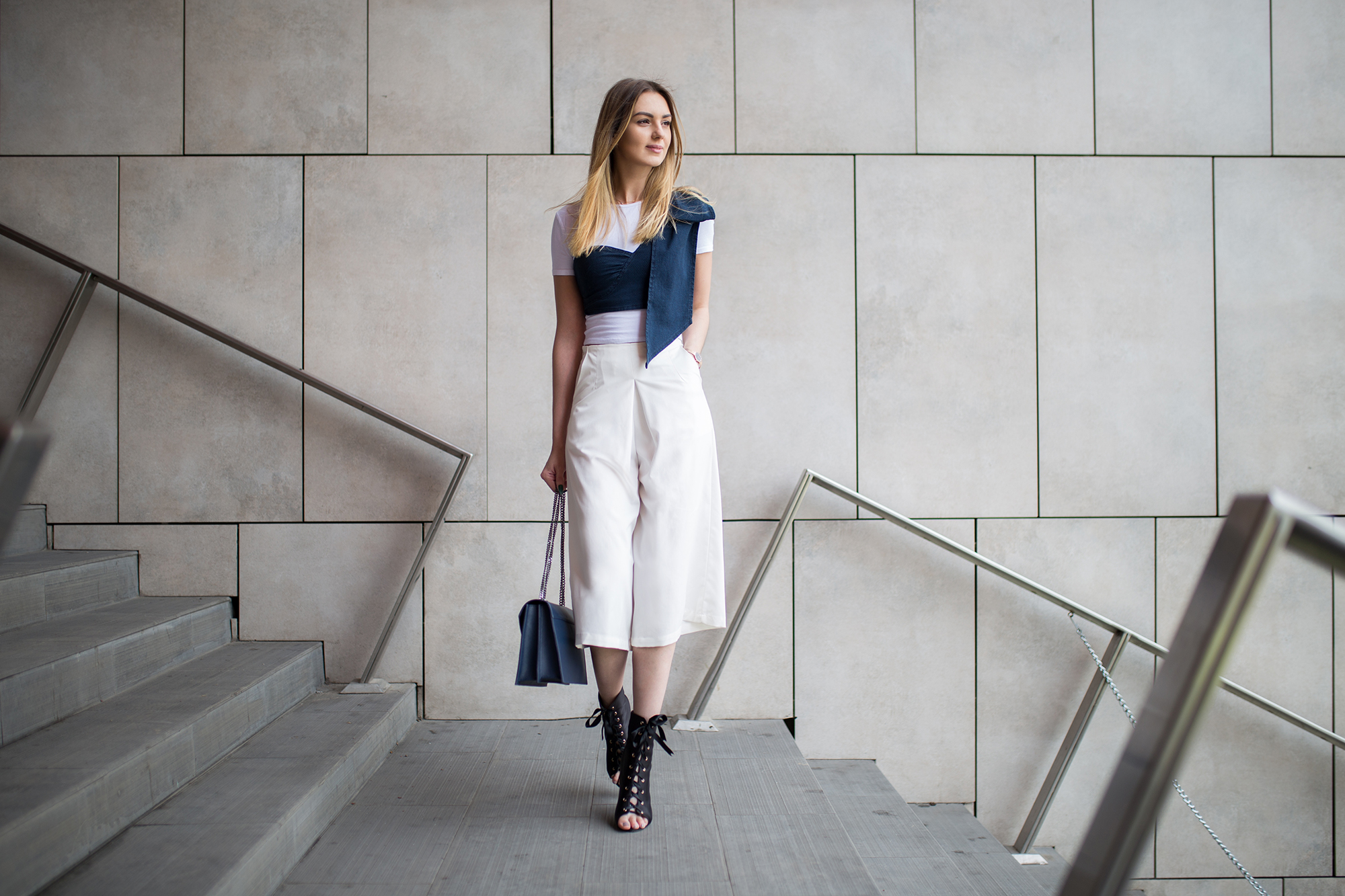 white-culottes-outfit-street-style