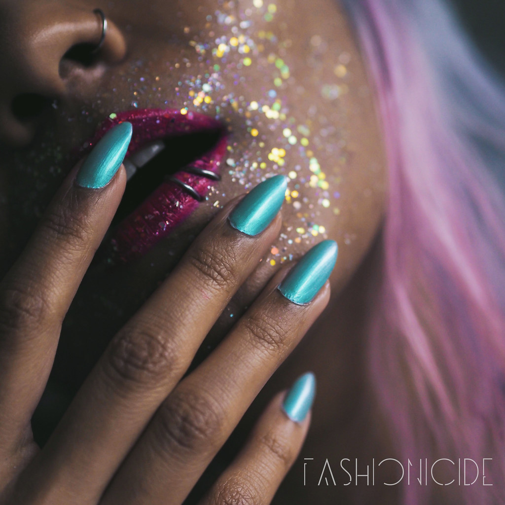 H&M toprock nail polish review iridescent holographic