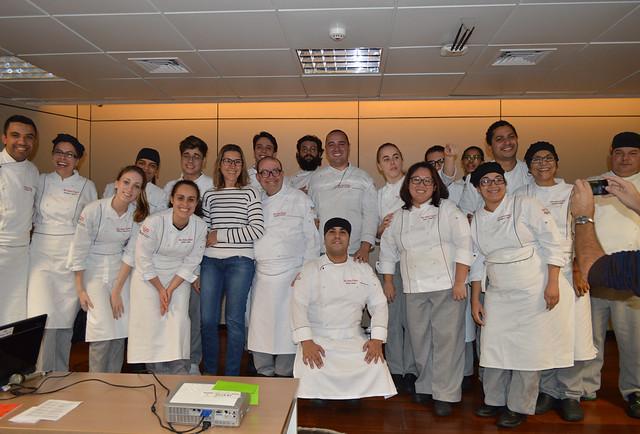 Evento da Etec Santa Ifigênia aproxima alunos dos profissionais da gastronomia