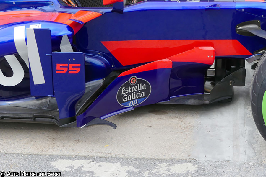 str12-bargeboards