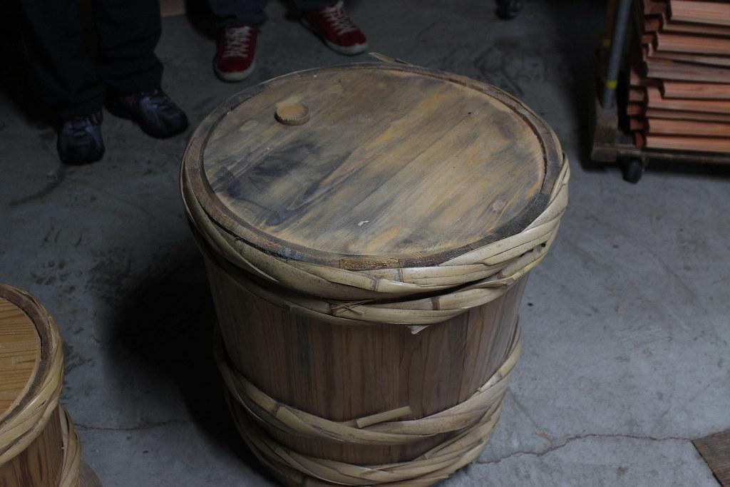 取材於里山的傳統酒桶製作,技藝需導入人才傳承。攝影:廖靜蕙