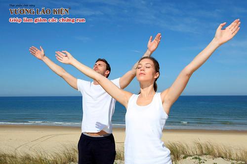 Thở sâu và thư giãn giúp bệnh nhân cải thiện tình trạng run tay