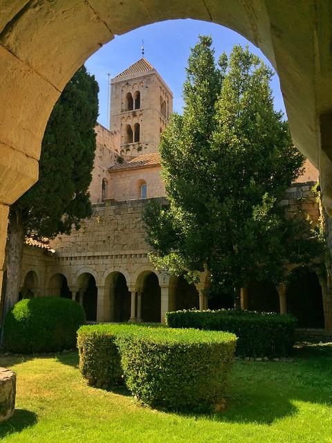 Monasterio de Santa María de Vilabertrán (Alto Ampurdán, Girona)