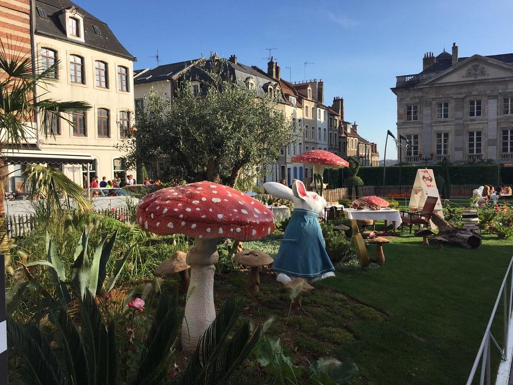 alice in wonderland garden 1 by touring_fishman - Alice In Wonderland Garden