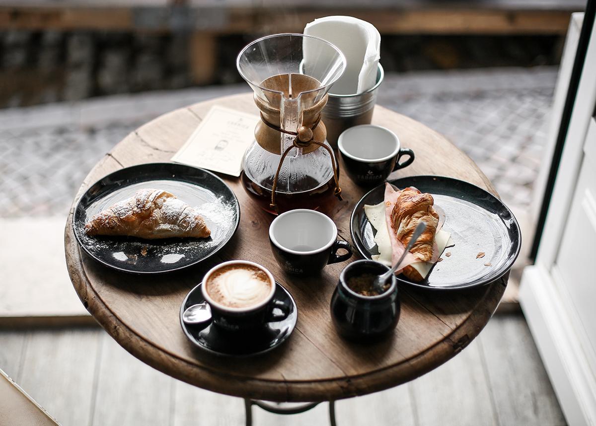donde-desayunar-lisboa-cafe-chemex-fabrica-coffee-roasters-lifestyle