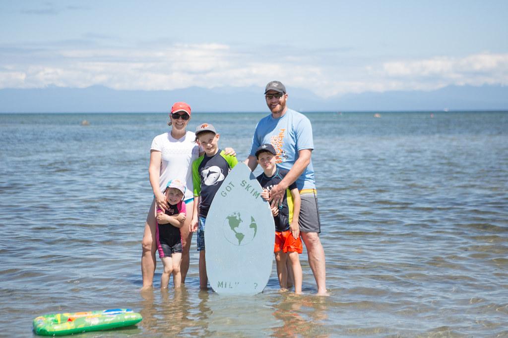 Family photo at tigh-na-mara beach
