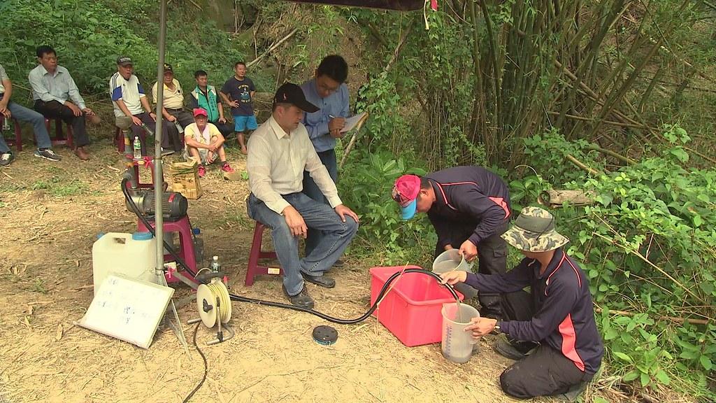 掩埋場預定地監測井,每周固定有人來量水位。