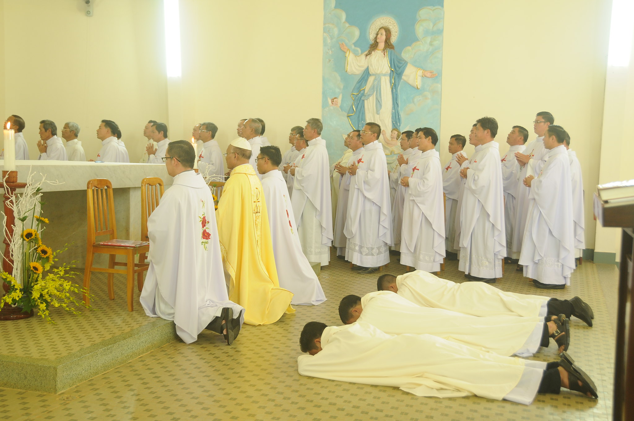 Đan viện Thánh Mẫu Châu Sơn Đơn Dương: Thánh lễ Khấn Dòng