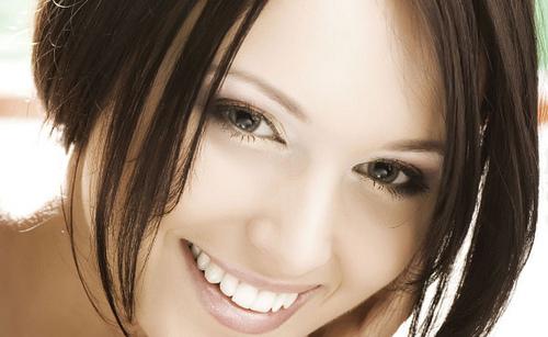 杏仁酸對於治療青春痘,消除斑點,粉刺護理,除痘控油特別有效!杏仁酸有良好的親膚性並改善色素沉澱,改善毛孔粗大,治療青春痘,消除斑點等等功用,給您好膚質