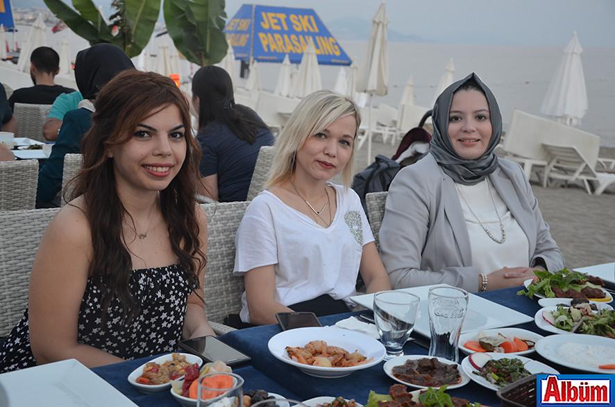 Müge Durel, Dilek Yaşar, Nazlı Türker