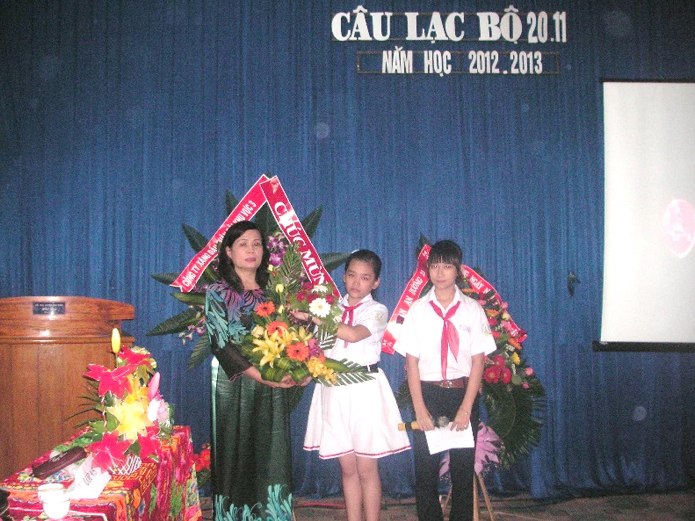 Câu Lạc Bộ Nhà Giáo Việt Nam 20 - 11 - 2012