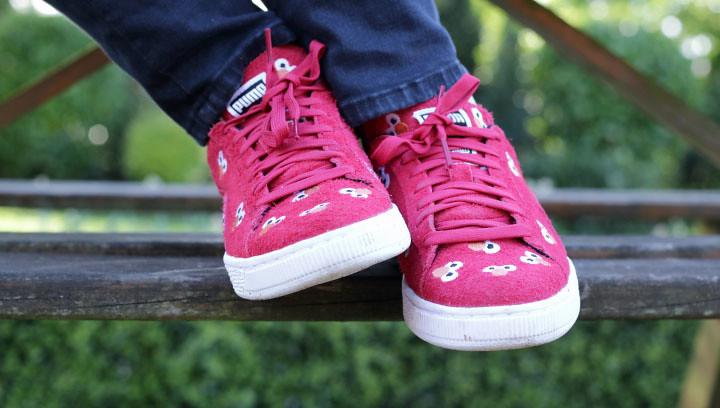 Elmo Kicks