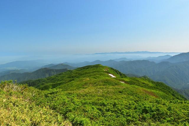 二王子岳から北側の稜線