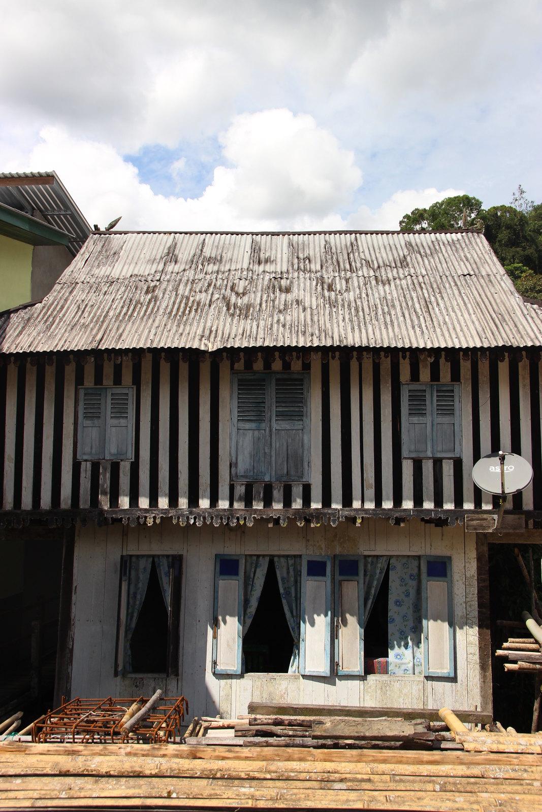 Anna Rais longhouse