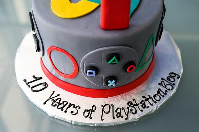 PlayStation.Blog 10-Year Anniversary Cake