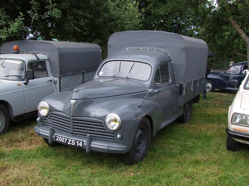 Rassemblement de camions anciens en Normandie 35398401162_167355edb7_c