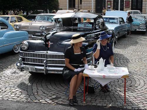 Karin, Annette & 1947 Chrysler New Yorker.