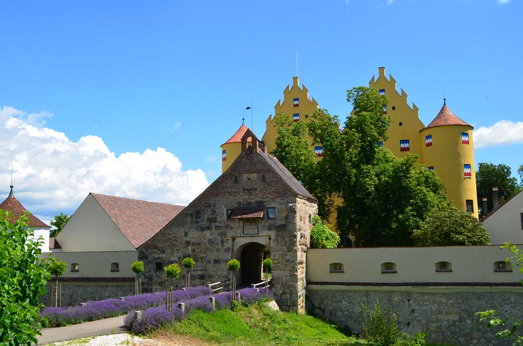 Schloss Erbach Donau Schloss Erbach Steht Auf Einer Anhö Flickr