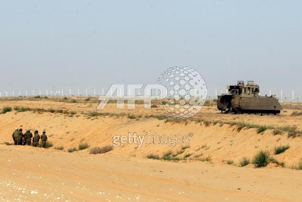 M113-Kasman-Shalit-incident-2006-afp-1
